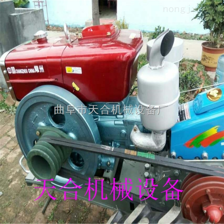 手扶拖拉机带旋耕松土机 单铧犁双铧犁翻土机 带座位的旋耕机价格