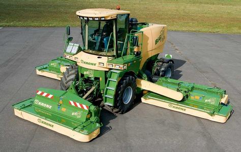 科罗尼大型农机作业